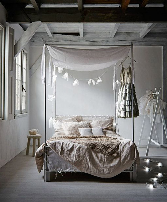 canopy bed 2
