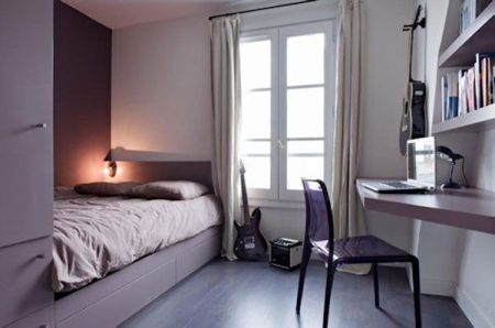 Simple-and-stylish-space-in-purple