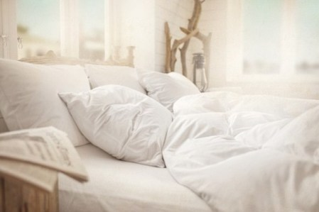 White-Summer-Bed