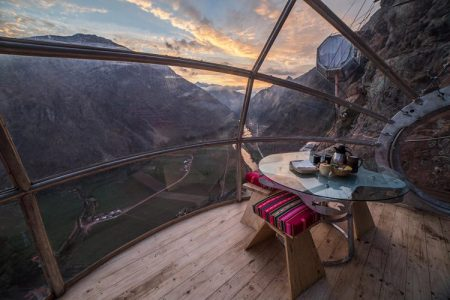 dinning-room-skylodge